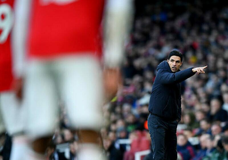 Arsenal – w poszukiwaniu tożsamości