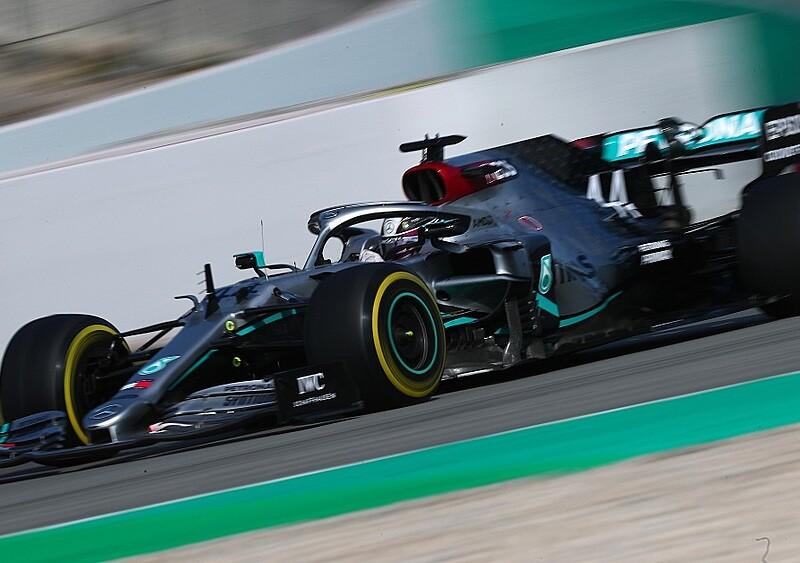 Mercedes wrzuca cruise control w drodze po tytuł, czyli wróciła F1