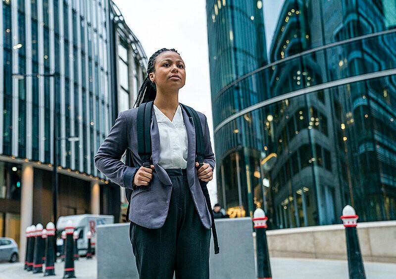 Gorzka mieszanka The Office, Euforii i Wilka z Wall Street? Branża to nowy serial na naszym radarze