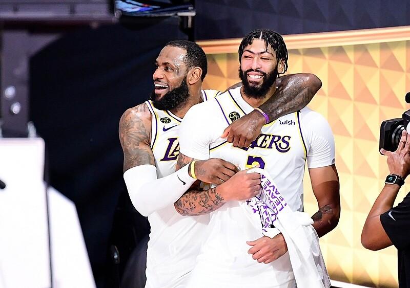 Nowe szaty Los Angeles Lakers. Czy Rob Pelinka znów zbudował drużynę na tytuł?