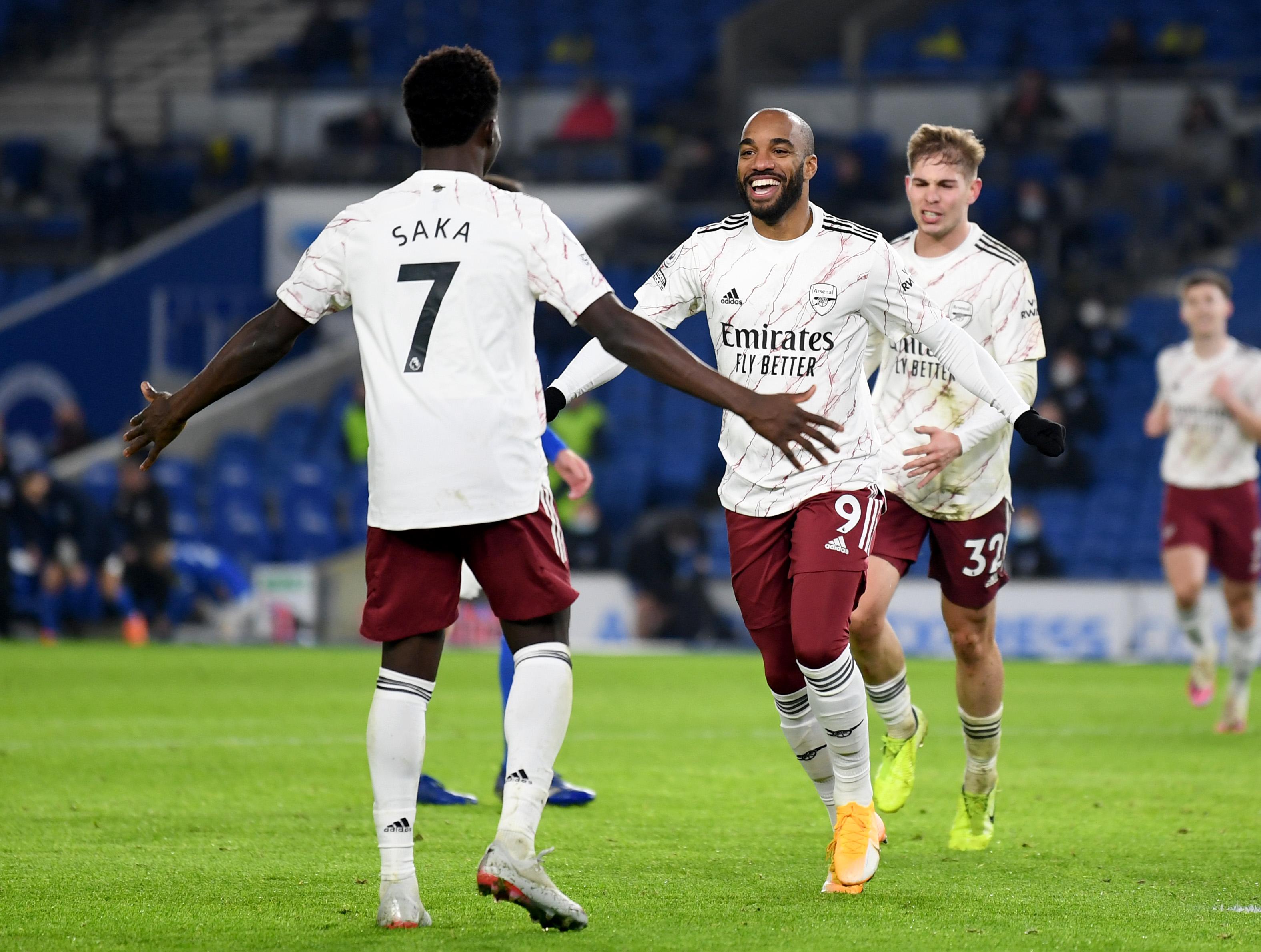 Arsenal - Bukayo Saka i Alexandre Lacazette