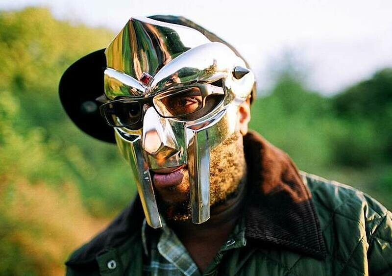 Anglik, który zmienił amerykański rap. MF Doom zmarł w wieku 49 lat