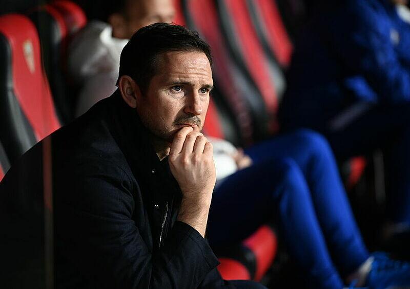 Frank Lampard i jego taniec na cienkiej linie. Manchester City jako koło ratunkowe czy początek końca?