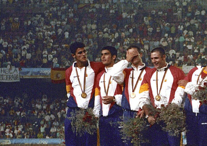 """Guardiola z kumplami pokonali Polskę w walce o olimpijskie złoto. Po latach hiszpańscy """"przyjaciele"""" wykluczyli Katalończyka z grupy na WhatsAppie"""