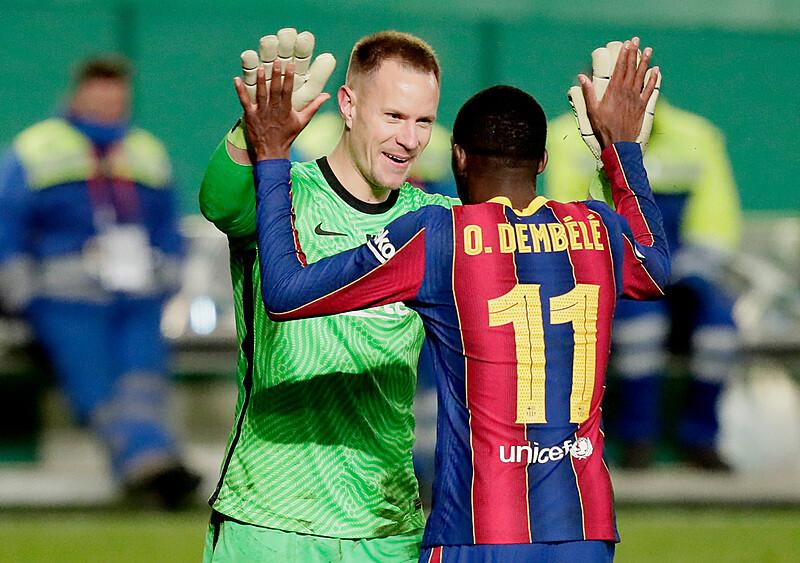 Ręce, które leczą. Marc-Andre ter Stegen jako patron bramki Barcelony