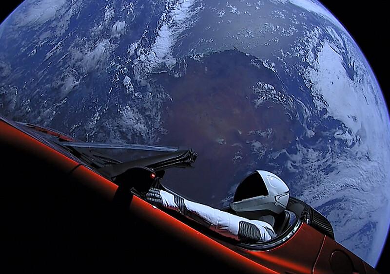 Turystyczne loty w kosmos mogą być coraz częstszym zjawiskiem. Pierwszy ma odbyć się już za moment
