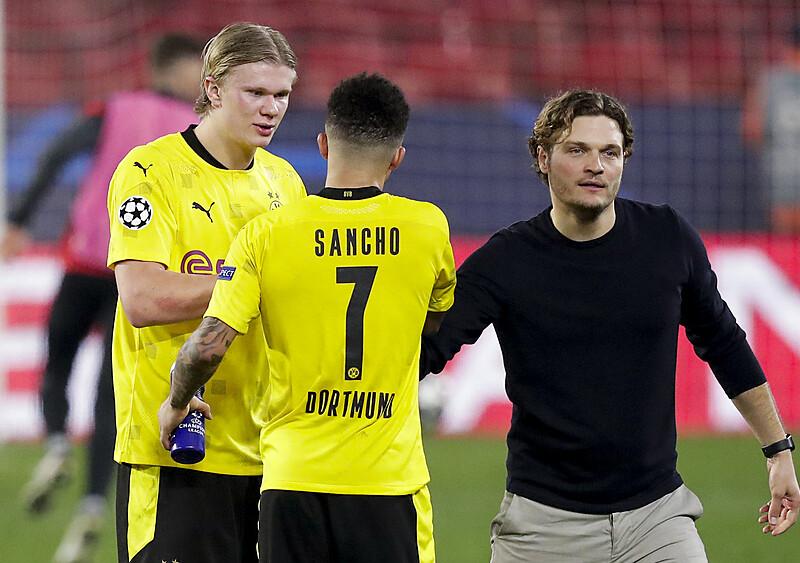 Z NOGĄ W GŁOWIE. Pożegnanie z pressingiem. Jak Dortmund próbuje ratować sezon