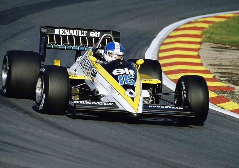 """Od ścigania się w F1 do sprzedaży aut. """"Senna zniszczył mi karierę"""" (WYWIAD)"""
