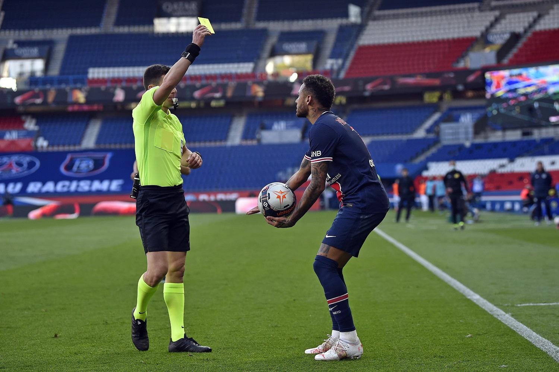 Paris Saint-Germain v Lille OSC - Ligue 1: Neymar