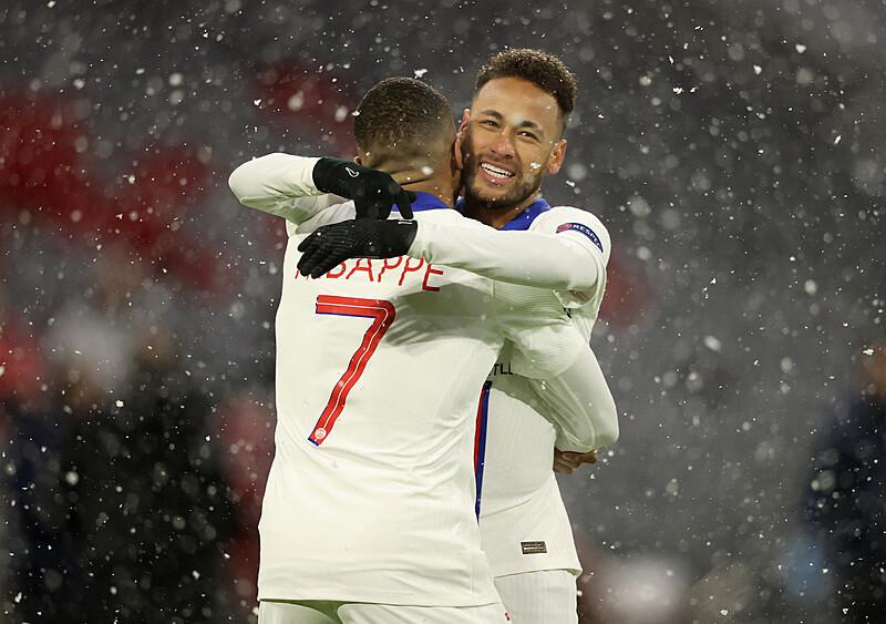 Mecz gwiazd. Jak Neymar i Mbappe pokonali Czarnego Rycerza z Monachium
