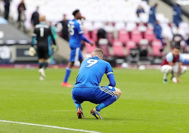 Niechciana powtórka sprzed roku coraz bliżej. Leicester City i wymykająca się Liga Mistrzów