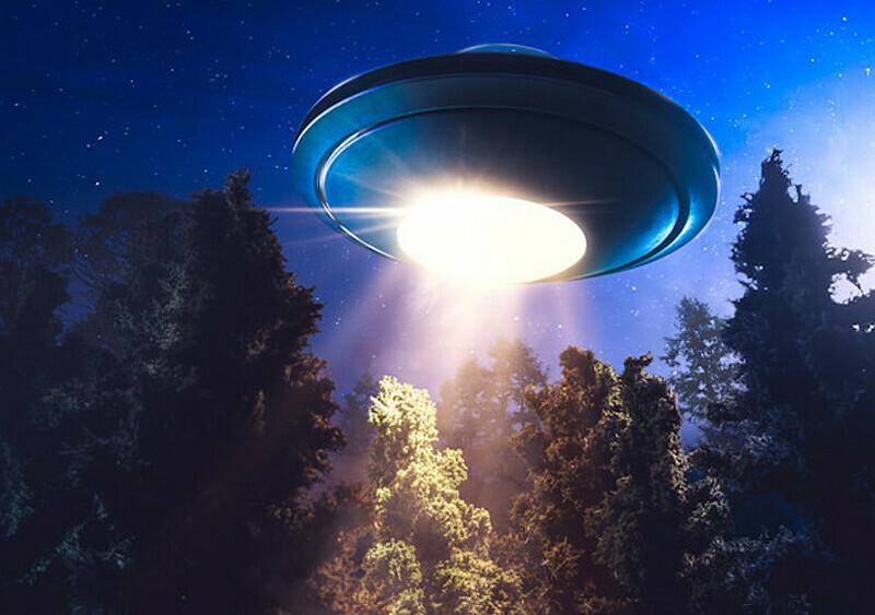Kosmici atakują! Pentagon potwierdził autentyczność filmu z latającym spodkiem