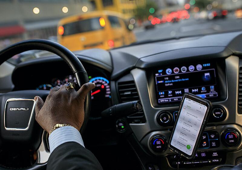 Uber dowiezie marihuanę pod same drzwi? Firma nie pozostawia złudzeń