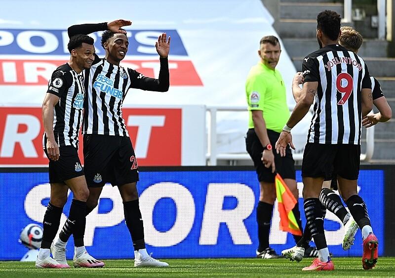 Newcastle oddala zagrożenie, West Ham traci kontrolę nad miejscem w TOP4. Szalony mecz na St. James' Park wpływa na oba końce tabeli