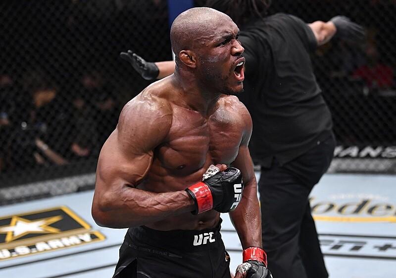 """""""Nigeryjski Koszmar"""", zlot byłych rywalek Joanny Jędrzejczyk i fani na trybunach. UFC 261 to gala, którą koniecznie trzeba zobaczyć"""
