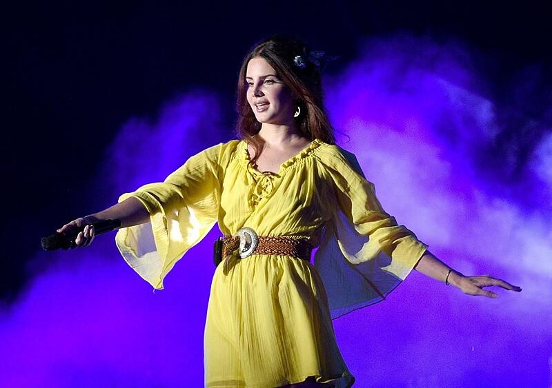 """Lana Del Rey wyda kolejny album w tym roku. Premiera """"Blue Banisters"""" za niecałe dwa miesiące"""