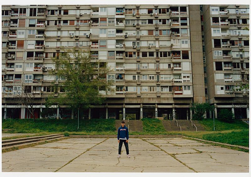 Brutal z Bałkan. Nowa sesja Prosto Klasyk powstała w... Belgradzie