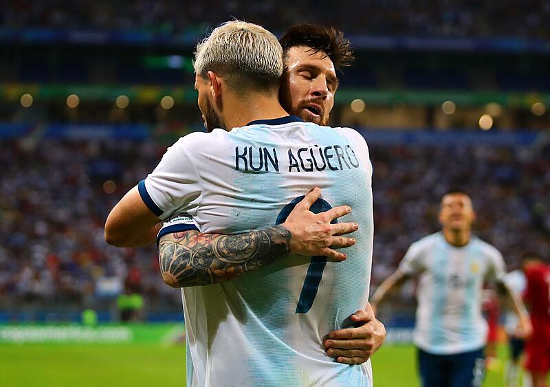 Klub przyjaciół dalej działa. Aguero w Barcelonie, czyli Messi nie rusza się z Castelldefels