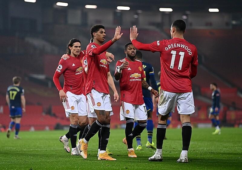 Cztery lata i znów w tym samym punkcie? Nieprawda – Manchester United jest dziś na właściwych torach