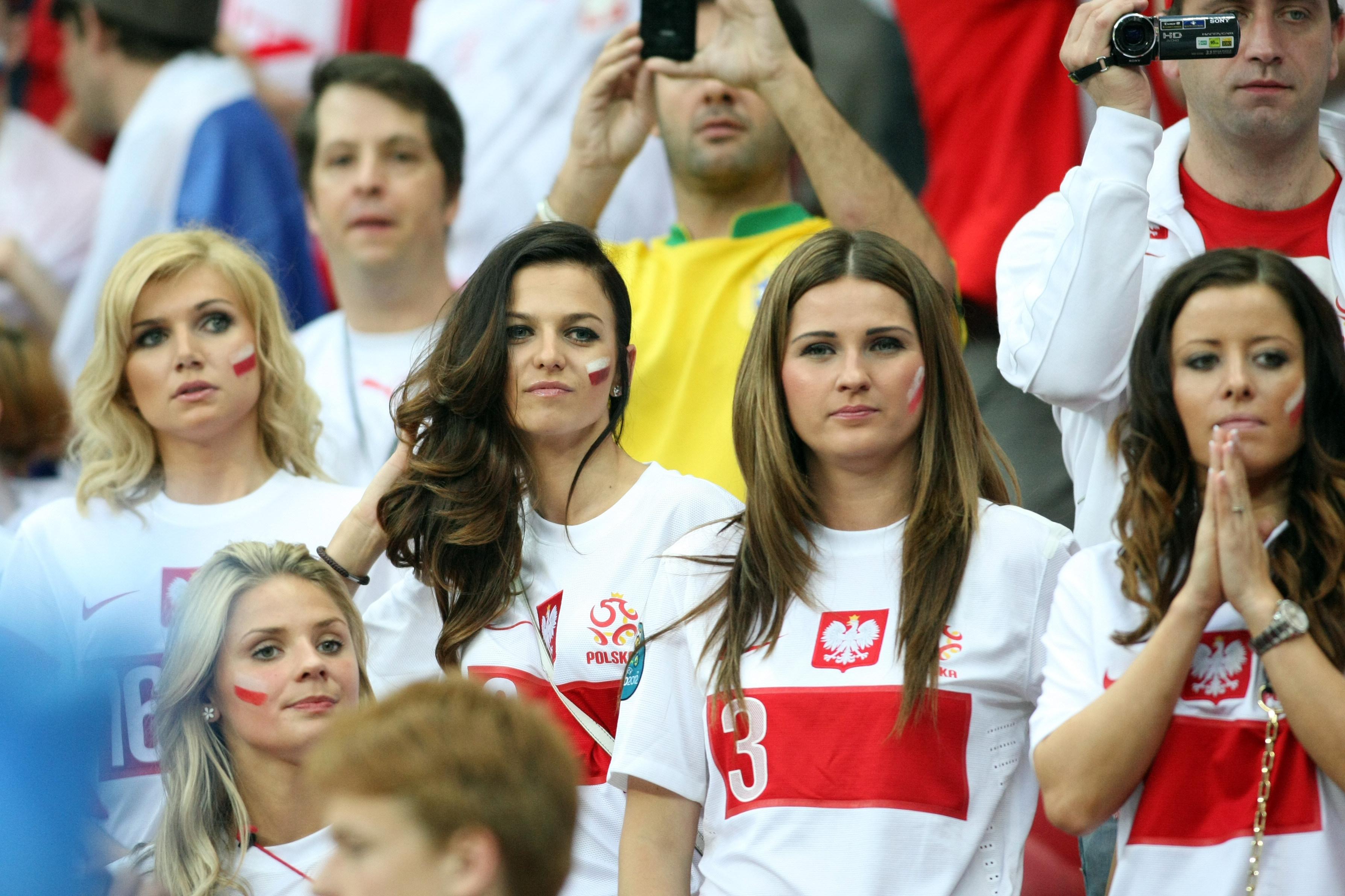 Dziewczyny piłkarzy