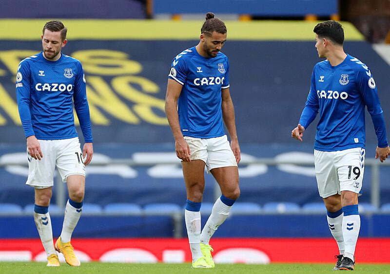"""Everton znów aktywuje opcję """"reset"""". Carlo Ancelotti zostawia drużynę bez koncepcji i kierunku"""