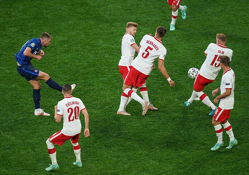 Polska kontra Polska. Czy Adam Nawałka miał lepszych piłkarzy niż Paulo Sousa