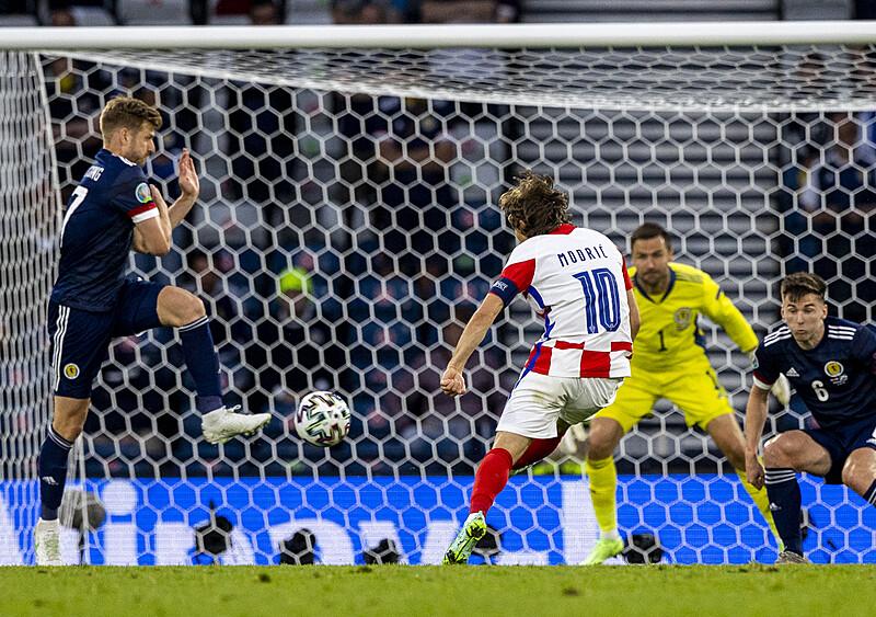 Najpiękniejszy zewniak świata. Jak dobrze, że Luka Modrić nadal jest w grze o Euro