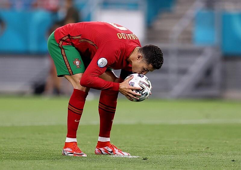 EUROnewonce #13. Drabinka drabince nierówna – potęgi w jednym kotle. A Ronaldo siedzi i bije kolejne rekordy