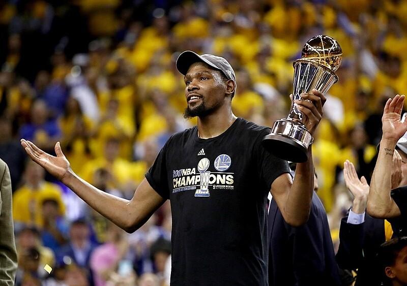 Szaleństwo w NBA! Trzy gwiazdy ligi zagrają w jednym zespole