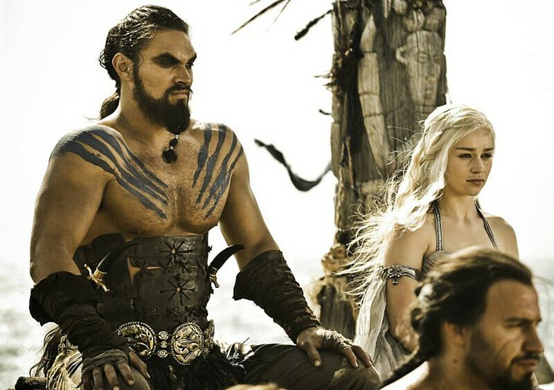 """Khal Drogo wysłał do szpitala producenta """"Gry o tron"""" po... grze w łapki"""