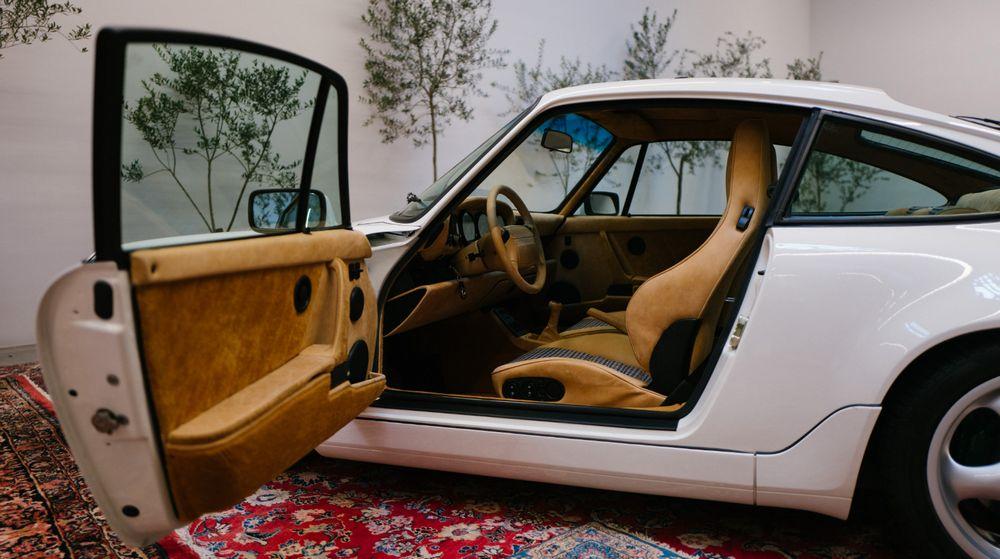 Porsche-911-Carrera-4-Tipo-964-Aim-Leon-Dore-3.jpg